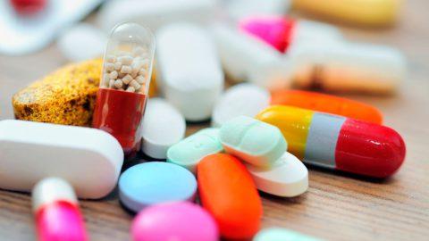 Антибиотик производиться в форме капсул.