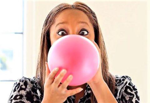 Надувание воздушных шариков как метод дыхательной гимнастики.