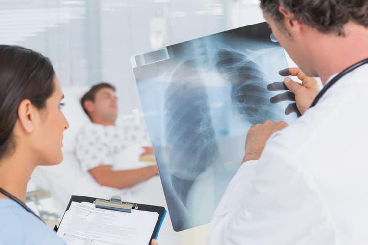 Проведение рентгенологического исследования обязательно при пневмонии