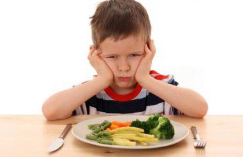 Ребенок отказывается от пищи.