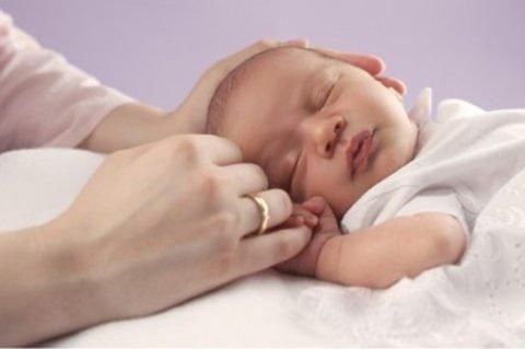 Состояние новорожденного должно контролироваться специалистами.