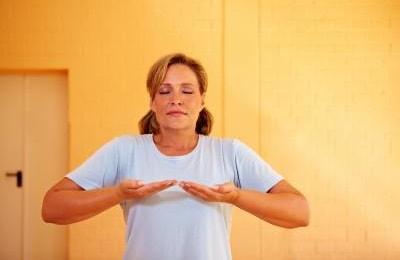 Упражнения назначаются лечащим врачом после всестороннего обследования пациента