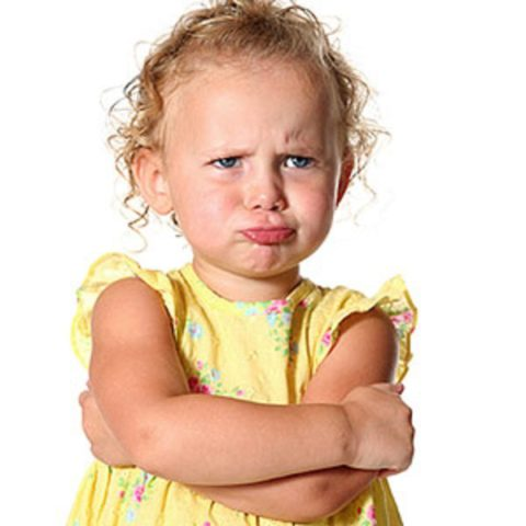 В период заболевания ребенок становиться капризным и плаксивым.