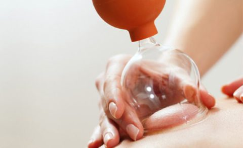 Современна вакуумная банка, идеально подходящая для массажа спины и грудной клетки