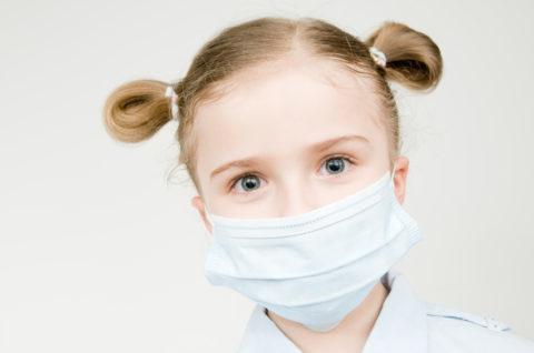 Чтобы никого не заразить, необходима маска