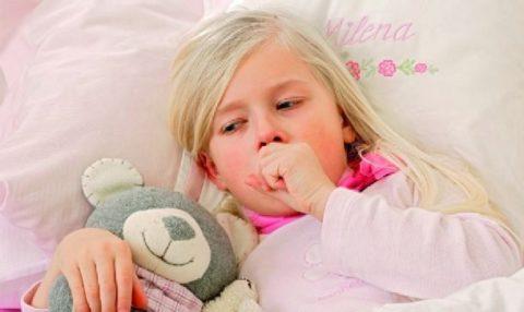Лечить ребенка в домашних условиях можно только на фоне легкой степени бронхита и отсутствия осложнений.