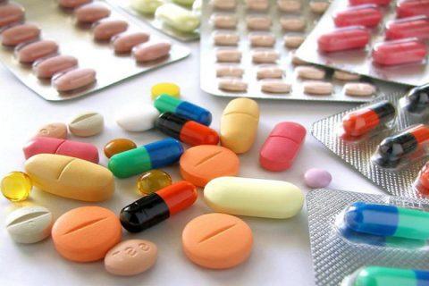 Основу терапии при бактериальном бронхите создают антибиотики.
