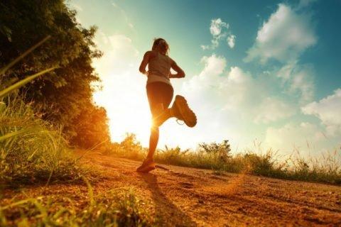 Польза утренних пробежек, как начинать занятия.