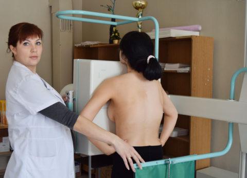 Проведение флюорографии недопустимо до достижения девушкой 15 лет