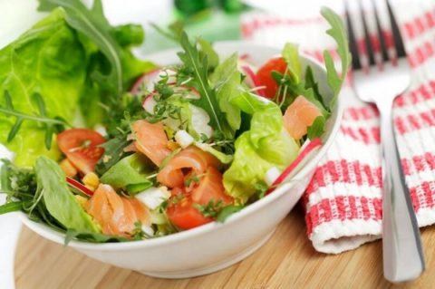 Чтобы быстрее выздороветь, нужно кушать только полезную пищу