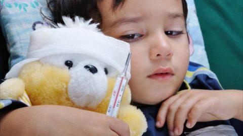 У детей до 4-6 лет сохраняется высокий риск развития осложнений