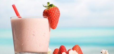 Вкусное и полезное лекарство – натуральное молоко с добавлением жира, меда, варенья или джема.