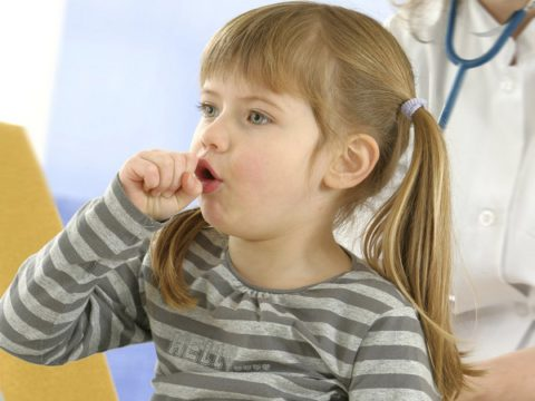 Болезнь у ребенка часто имеет длительное рецидивирующее течение