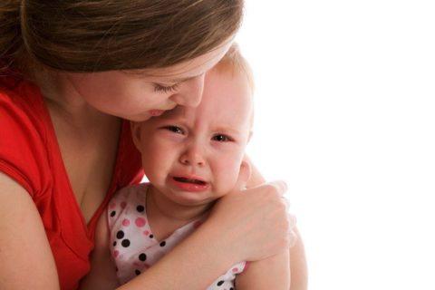 Капризность, отсутствие аппетита, раздражительность – это те признаки, которые заставляют родителей обратиться к врачу.