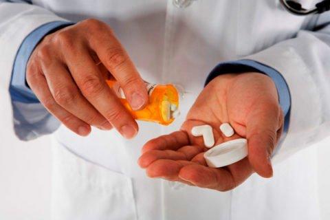 Лечение патологии в обязательном порядке должно проходить в условиях стационара.
