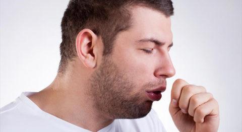 Основной симптом заболевания – кашель.