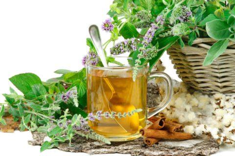 От кашля помогают растительные отвары