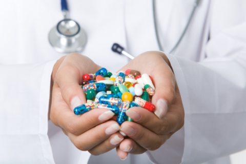 Препараты для лечения недуга подбирает врач.