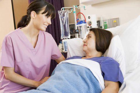 В обязательной госпитализации нуждаются беременные, пожилые пациенты и больные после сложных инфекционных и соматических болезней