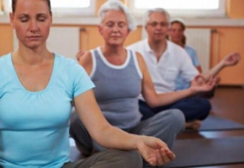 Дыхательные упражнения можно выполнять в любом положении