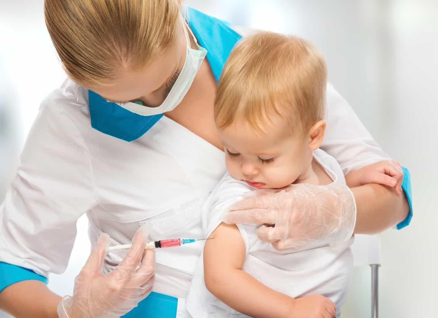 Куда ставят прививку?