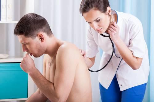 Чаще всего обострение хронического бронхита беспокоит взрослых