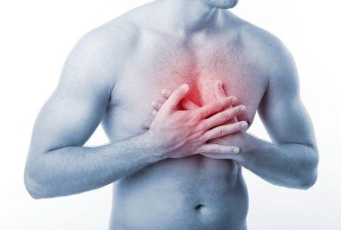 Боль в груди в начале болезни может свидетельствовать о развитии патологии
