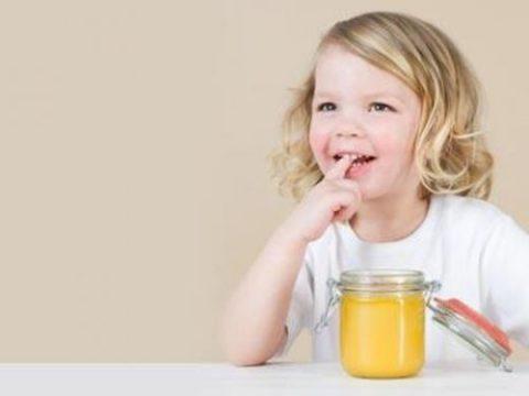 Дети любят мед