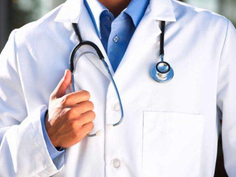 Инструкция врача – вот, чему важно следовать, чтобы острый бронхит не перешел в хронический.