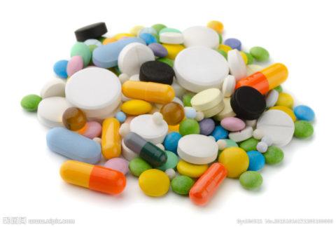 Какие таблетки могут использоваться при бронхите у взрослых и детей