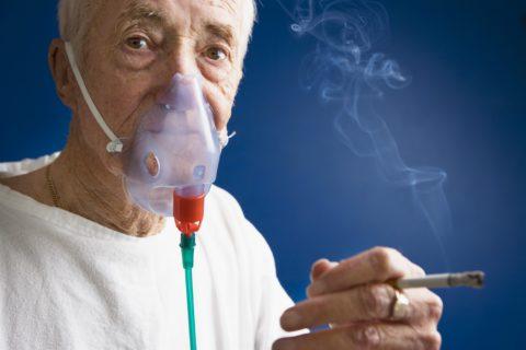 Курение — одна из наиболее частых причин хронического бронхита и его обострений
