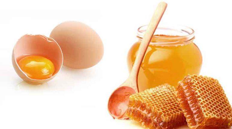 Яично-медовая маска действует примерно от 30 до 60 минут.