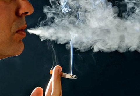 Курение может быть причиной хронического кашля, который скрывает признаки пневмонии
