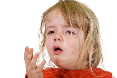 Кашель – один из признаков наличия туберкулезной инфекции в легких