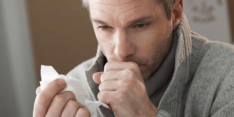 Не проходящий кашель один из симптомов, при котором показано обследование на туберкулез